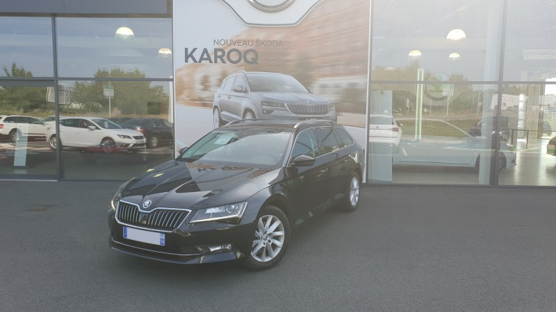 SKODA SUPERB COMBI à Nevers